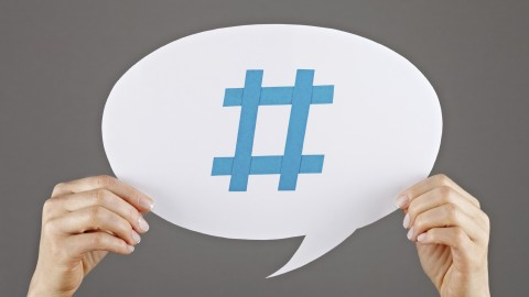 Understand exactly how to use hashtags in marketing to create posts that go viral. We expose it all.